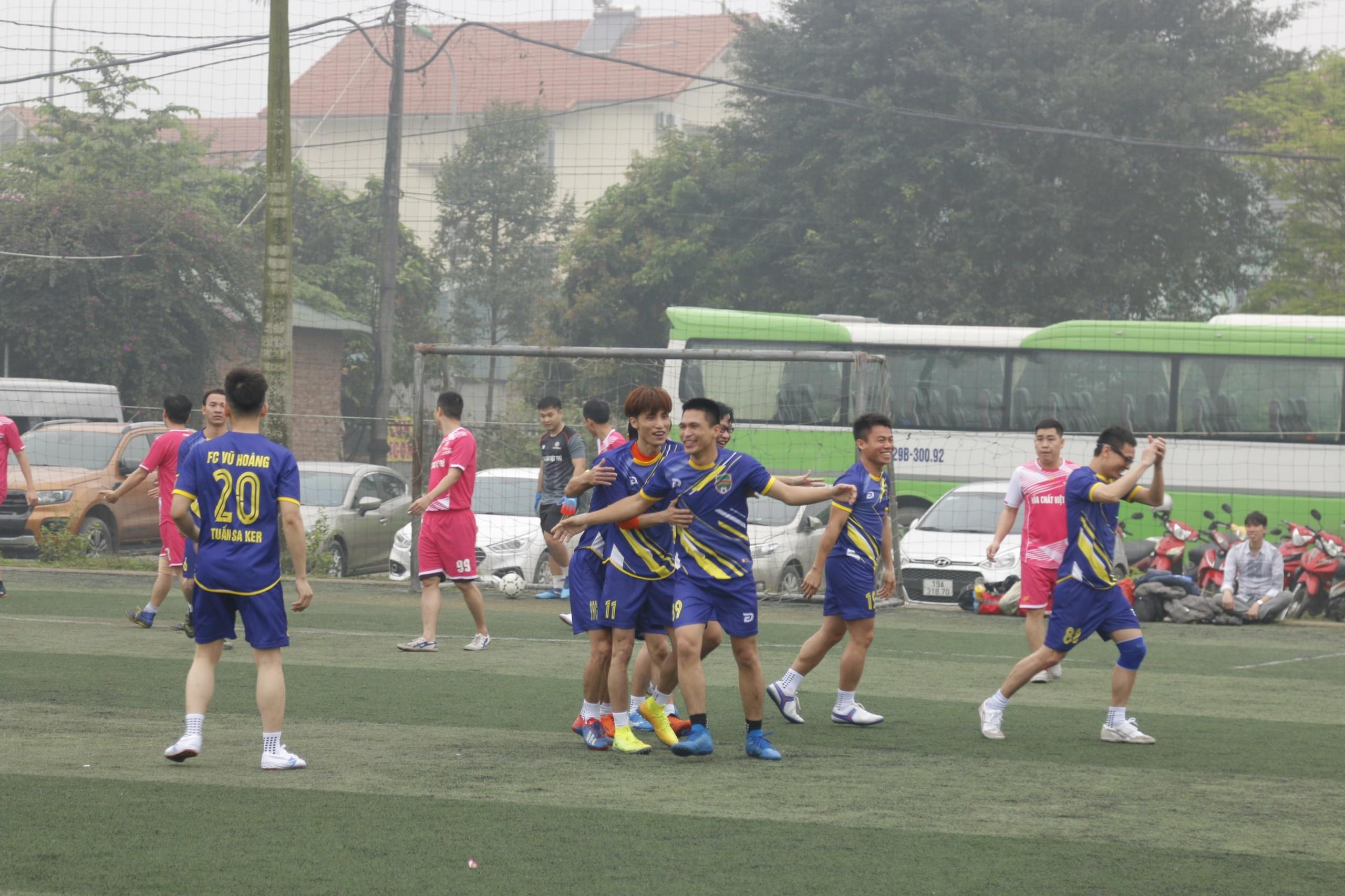 Giải bóng đá Tam Hùng 8
