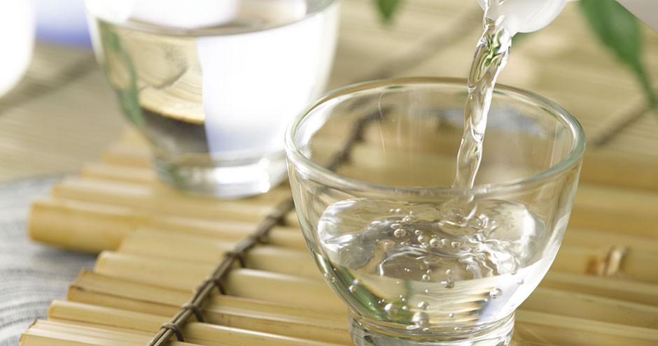 Axit axetic là chất lỏng không màu