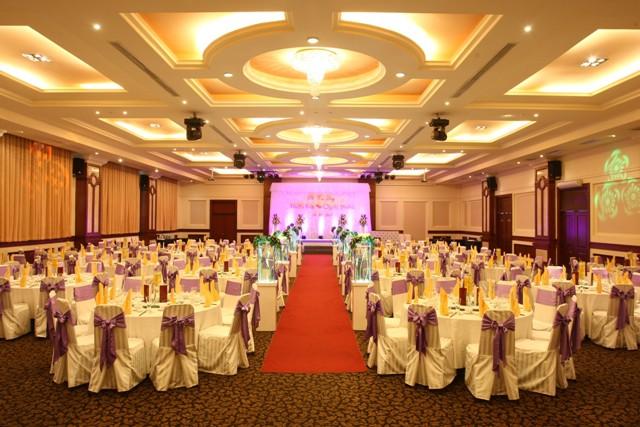 Tổ chức sự kiện tiệc cưới ấn tượng cho các cặp đôi