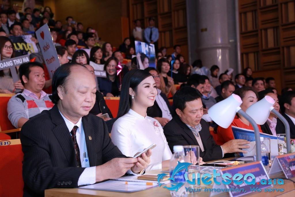 Tổ chức cuộc thi sắc đẹp cho doanh nghiệp