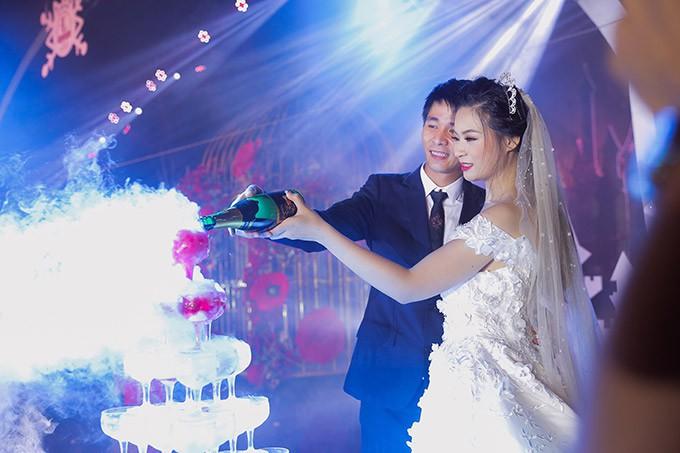 """""""Siêu đám cưới"""" 10 tỷ ở Hà Nội có đặc biệt"""