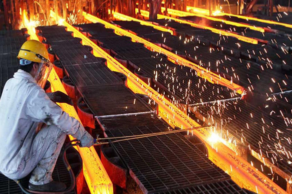 Lật ngược tình thế trong năm 2020, điều gì chờ đợi doanh nghiệp thép năm 2021?