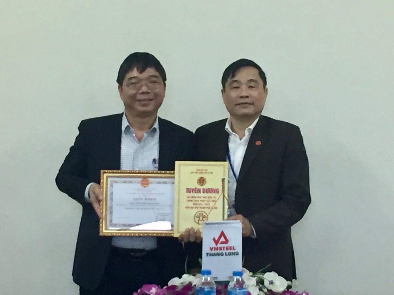 Công ty CP Tôn mạ Vnsteel Thăng Long nhận Giấy khen thưởng Người nộp thuế thực hiện tốt chính sách, pháp luật thuế của Cục Thuế Hà Nội