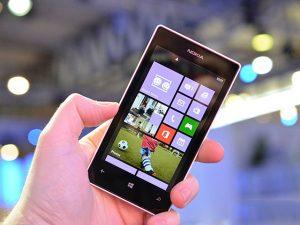vỡ màn hình cảm ứng Lumia 520