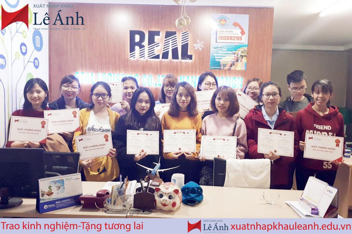Khoá học xuất nhập khẩu thực tế tại Hà Nội